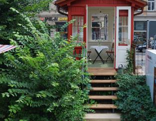 Sockel_Treppe_Optionen_Anpassungen_Sonderlösungen_Gartenhaus_auf_Huegel